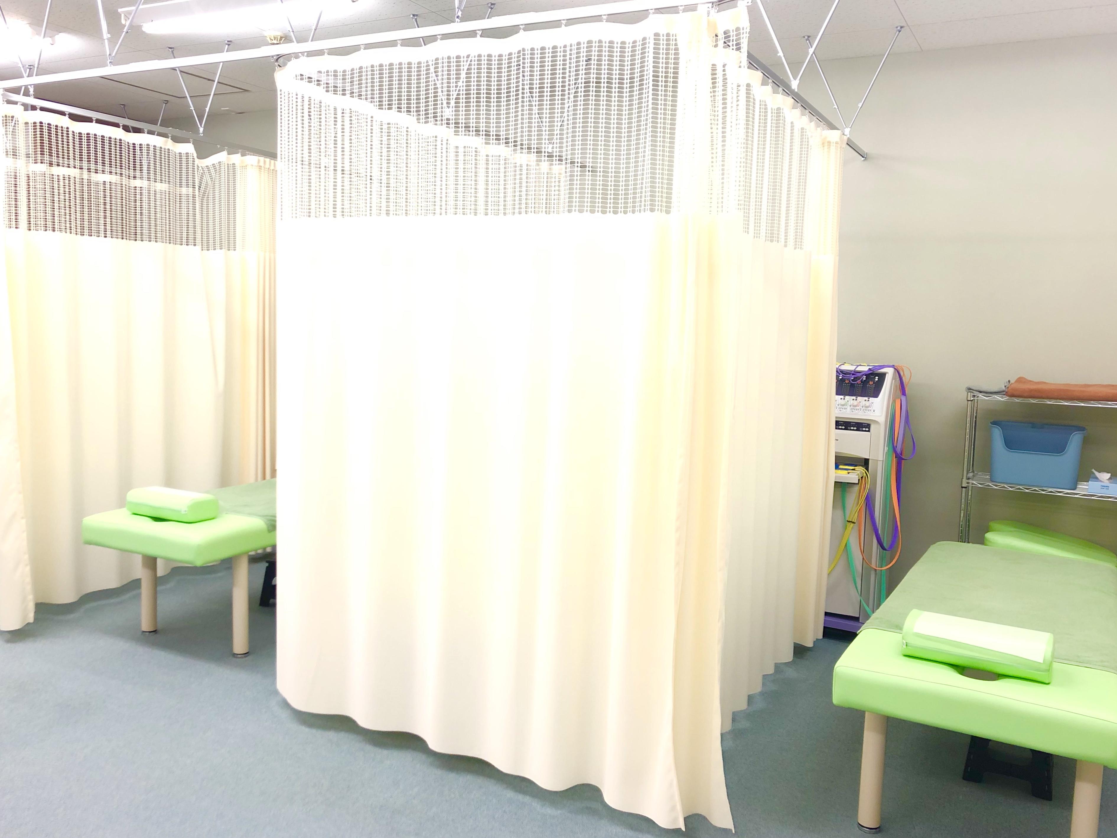 ベットを囲める遮蔽カーテン